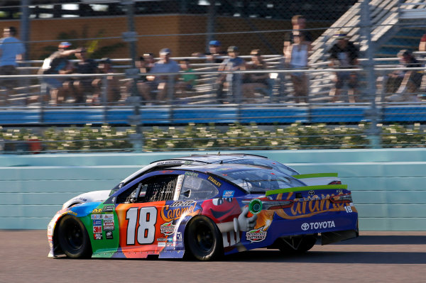 Monster Energy NASCAR Cup Series Ford EcoBoost 400 Homestead-Miami Speedway, Homestead, FL USA Sunday 19 November 2017 Kyle Busch, Joe Gibbs Racing, M&M's Caramel Toyota Camry Brad Keselowski, Team Penske, Miller Lite Ford Fusion World Copyright: Matthew T. Thacker LAT Images