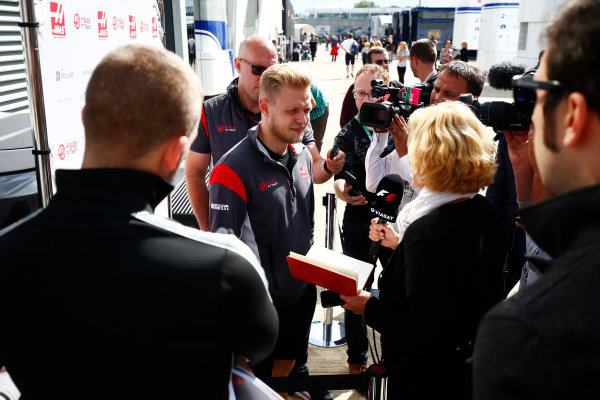 Silverstone, Northamptonshire, UK.  Friday 14 July 2017. Kevin Magnussen, Haas F1, talks to the media. World Copyright: Andy Hone/LAT Images  ref: Digital Image _ONY6369