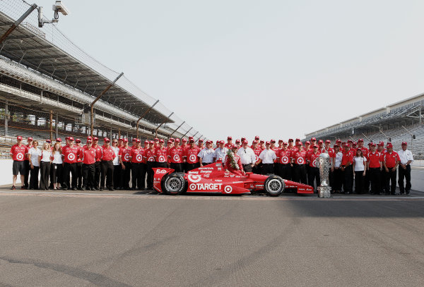 28 May, 2012, Indianapolis, Indiana, USADario Franchitti poses with the entire Target Chip Ganassi Racing team.(c)2012, Phillip AbbottLAT Photo USA