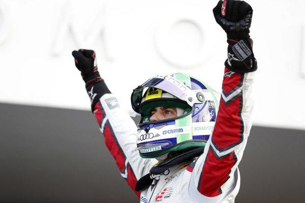 Lucas Di Grassi (BRA), Audi Sport ABT Schaeffler, Audi e-tron FE05, celebrates after winning the race