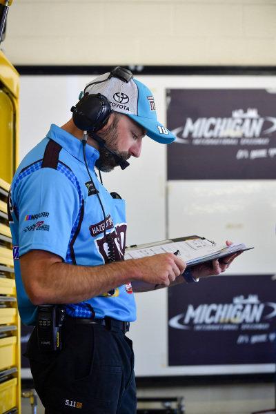 #18: Kyle Busch, Joe Gibbs Racing, Toyota Camry M&M's Hazelnut, Adam Stevens