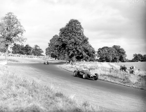Oulton Park, Great Britain.24 September 1955.Reg Parnell (Connaught B-Alta), 4th position.Ref-Motor 770/19.World Copyright - LAT Photographic