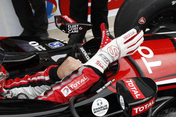 Graham Rahal, Rahal Letterman Lanigan Racing Honda, gloves