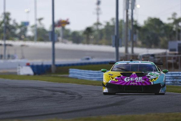 W19 GEAR Racing powered by GRT Grasser Lamborghini Huracan GT3, GTD: Christina Nielsen, Katherine Legge, Tati Calderon, Rahel Frey
