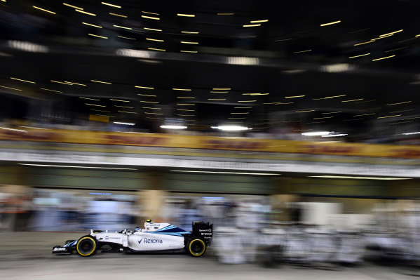 Valtteri Bottas (FIN) Williams FW37 pitstop at Formula One World Championship, Rd19, Abu Dhabi Grand Prix, Race, Yas Marina Circuit, Abu Dhabi, UAE, Sunday 29 November 2015.