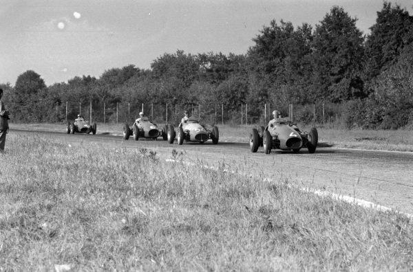 Alberto Ascari, Ferrari 500, leads Onofre Marimón, Maserati A6GCM-53, and Giuseppe Farina, Ferrari 500.