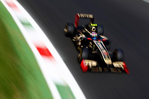 Autodromo Nazionale di Monza, Monza, Italy.9th September 2011.Vitaly Petrov, Lotus Renault GP R31. Action.World Copyright: Glenn Dunbar/LAT Photographicref: Digital Image _G7C0847