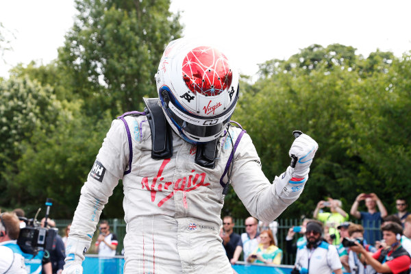 2014/2015 FIA Formula E Championship. London e-Prix, Battersea Park, London, UK. Sunday 28 June 2015. Sam Bird (GBR)/Virgin Racing - Spark-Renault SRT_01E celebrates after winning the race. World Copyright: Adam Warner/LAT Photographic/Formula E. ref: Digital Image _L5R2363