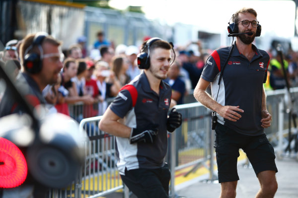 Hungaroring, Budapest, Hungary.  Thursday 27 July 2017. Haas team members at work. World Copyright: Andy Hone/LAT Images  ref: Digital Image _ONZ8045