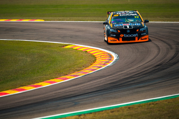 2017 Supercars Championship Round 6.  Darwin Triple Crown, Hidden Valley Raceway, Northern Territory, Australia. Friday June 16th to Sunday June 18th 2017. James Courtney drives the #22 Mobil 1 HSV Racing Holden Commodore VF. World Copyright: Daniel Kalisz/LAT Images Ref: Digital Image 160617_VASCR6_DKIMG_0281.JPG