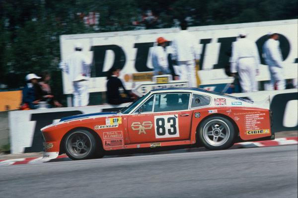 Le Mans, France. 11th - 12th June 1977.Robin Hamilton/David Preece/Mike Salmon (Aston Martin V8), 17th position, action. World Copyright: LAT Photographic.Ref:  77LM