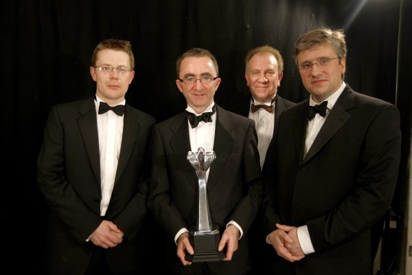 2007 Autosport AwardsGrosvenor House Hotel, Park Lane, London2nd December 2007.The McLaren team backstage with the International Racing Car Award for the MP4-22.World Copyright: Andrew Ferraro/LAT Photographicref: Digtal Image _H0Y0232