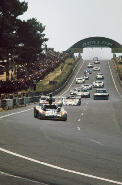 Le Mans, France. 12 - 13 June 1976 Jean-Pierre Jabouille/Patrick Tambay (Alpine Renault A442), retired, leads the field at the start, action. World Copyright: LAT PhotographicRef: 76LM35.