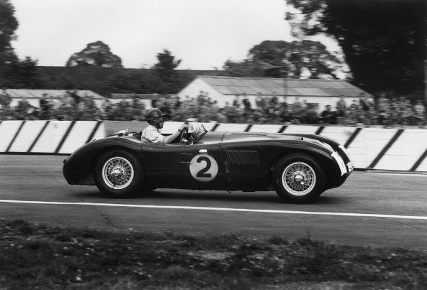 Goodwood, West Sussex, England. 22nd August 1953 Tony Rolt/Duncan Hamilton (Jaguar C type), retired, action. World Copyright: LAT Photographic Ref:  53 - 86 - 16-16A