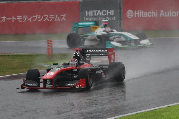 2014 Super Formula Series. Suzuka, Japan. 9th - 10th November 2014. Rd 7. Race 1 - Winner Joao Paulo de Oliveira ( #19 Lenovo TEAM IMPUL SF14 ) action World Copyright: Yasushi Ishihara / LAT Photographic. Ref:  2014_SF_Rd7_003.JPG