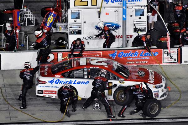 30 June-2 July, 2016, Daytona Beach, Florida USA Ryan Blaney pit stop ?2016, Nigel Kinrade LAT Photo USA