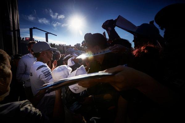 Circuit of the Americas, Austin Texas, USA. Saturday 22 October 2016. Lewis Hamilton, Mercedes AMG, signs autographs for fans. World Copyright: Steve Etherington/LAT Photographic ref: Digital Image SNE19915
