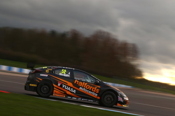 2017 British Touring Car Championship, Donington Park, England. 16th March 2017, Gordon Shedden (GBR) Halfords Yuasa Racing Honda Civic Type R World copyright. JEP/LAT Images