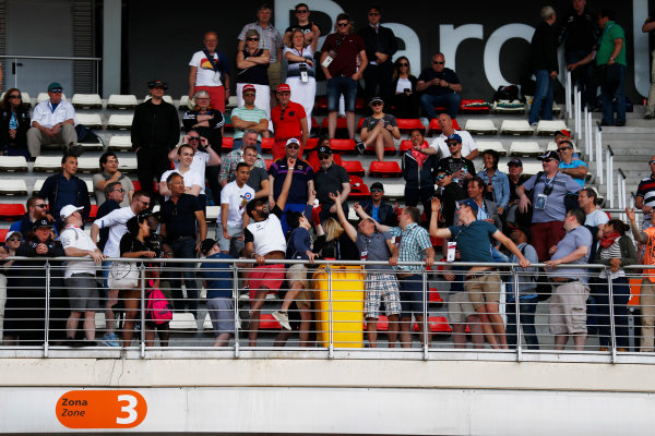 Circuit de Catalunya, Barcelona, Spain. Saturday 13 May 2017. Fans enjoy the atmosphere from the grandstands. World Copyright: Glenn Dunbar/LAT Images ref: Digital Image _X4I7024