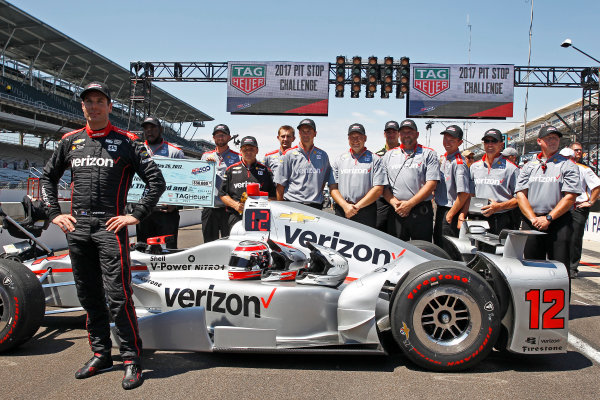 Verizon IndyCar Series Indianapolis 500 Carb Day Indianapolis Motor Speedway, Indianapolis, IN USA Friday 26 May 2017 Will Power, Team Penske Chevrolet celebrates winning the Pit Stop Competition with his crew World Copyright: Phillip Abbott LAT Images ref: Digital Image abbott_indy_0517_28206