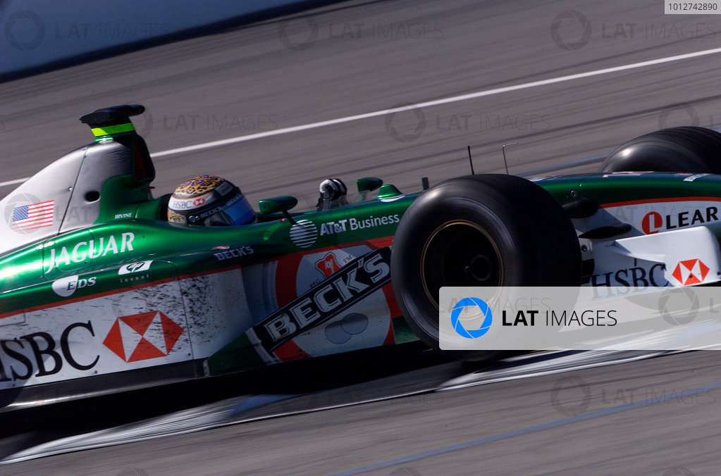 2001 American Grand Prix - RaceIndianapolis, United States. 30th September 2001.Eddie Irvine, Jaguar R2, action.World Copyright: Steve Etherington/LAT Photographicref: 18mb Digital Image