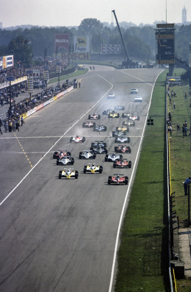 Jody Scheckter, Ferrari 312T4 leads René Arnoux, Renault RS10 and pole sitter Jean-Pierre Jabouille, Renault RS10 at the start.