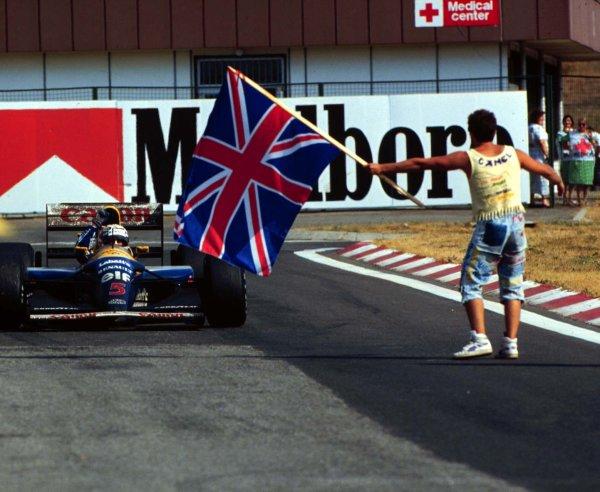1992 Hungarian Grand Prix.Hungaroring, Budapest, Hungary.14-16 August 1992.Nigel Mansell (Williams FW14B Renault) 2nd position clinching the World Championship.World Copyright - LAT Photographic