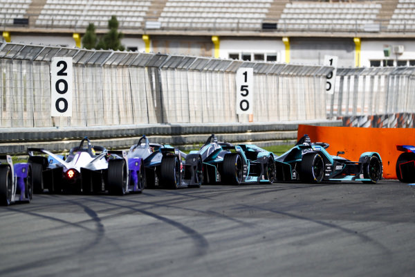 Mitch Evans (NZL), Panasonic Jaguar Racing, Jaguar I-Type 4 leads James Calado (GBR), Panasonic Jaguar Racing, Jaguar I-Type 4 and Stoffel Vandoorne (BEL), Mercedes Benz EQ Formula, EQ Silver Arrow 01