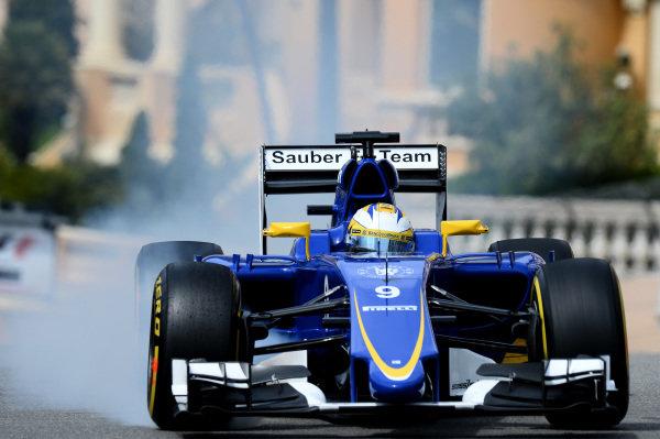 Marcus Ericsson (SWE) Sauber C34 locks up at Formula One World Championship, Rd6, Monaco Grand Prix Practice, Monte-Carlo, Monaco, Thursday 21  May 2015. BEST IMAGE