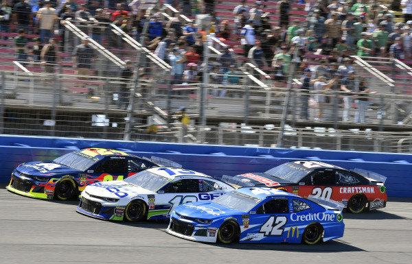 #42: Kyle Larson, Chip Ganassi Racing, Chevrolet Camaro Credit One Bank and #13: Ty Dillon, Germain Racing, Chevrolet Camaro GEICO