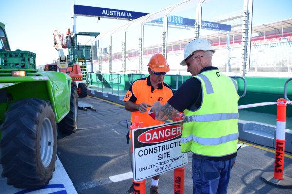 Pit lane preparations at Albert Park. Formula One World Championship, Rd1, Australian Grand Prix, Preparations, Albert Park, Melbourne, Australia, Sunday 9 March 2014.