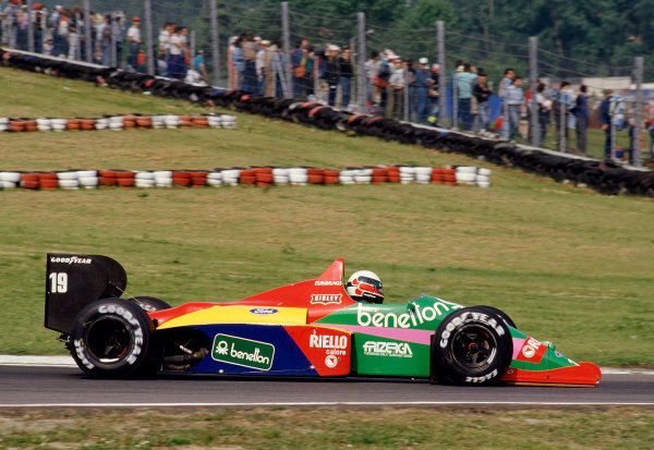 1987 San Marino Grand Prix.Imola, Italy.1-3 May 1987.Teo Fabi (Benetton B187 Ford).Ref-87 SM 24.World Copyright - LAT Photographic