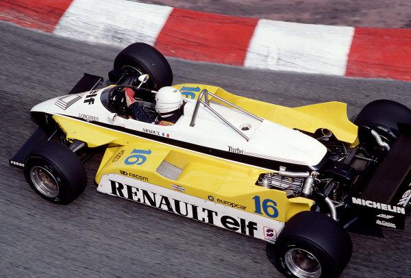 1982 Monaco Grand Prix.Monte Carlo, Monaco.20-23 May 1982.Rene Arnoux (Renault RE30B).Ref-82 MON 71.World Copyright - LAT Photographic