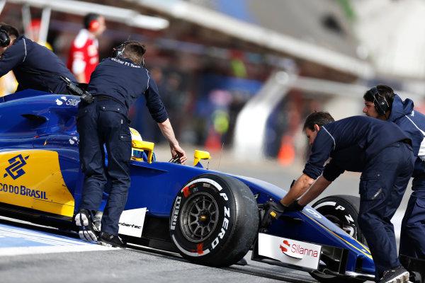 Circuit de Catalunya, Barcelona, Spain Monday 22 February 2016. Marcus Ericsson, Sauber C35 Ferrari, gets pushed back into the garage. World Copyright: Alastair Staley/LAT Photographic ref: Digital Image _R6T7284