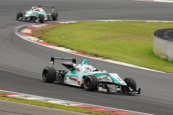 Fuji Speedway, Japan 13th - 14th July 2013.Rd 8 Winner  Takamoto Katsuata ( #37 PETRONAS TEAM TOM'S ) action World Copyright: Yasushi Ishihara/LAT Photographic Ref: Digital Image 2013JF3_Rd8&9_006