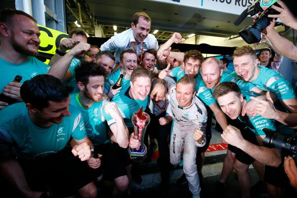 Baku City Circuit, Baku, Azerbaijan. Sunday 19 June 2016. Nico Rosberg, Mercedes AMG celebrates with his team after winning the race. World Copyright: Andrew Hone/LAT Photographic ref: Digital Image _ONZ2530