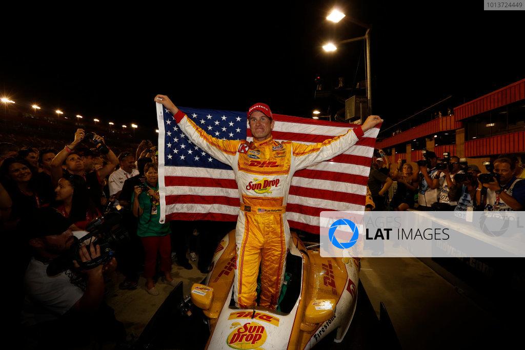 2012 IndyCar Fontana priority