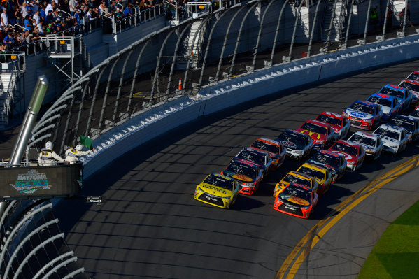 13-21 February, 2016, Daytona Beach, Florida USA Matt Kenseth, Dollar General Toyota Camry and Martin Truex Jr, Furniture Row Toyota Camry bring the field to the line for the final restart. ?2016, F. Peirce Williams LAT Photo USA