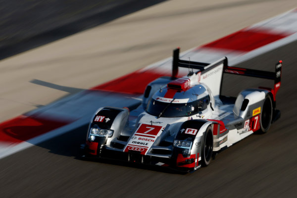2015 FIA World Endurance Championship Bahrain 6-Hours Bahrain International Circuit, Bahrain Saturday 21 November 2015. Marcel F?ssler, Andr? Lotterer, Beno?t Tr?luyer (#7 LMP1 Audi Sport Team Joest Audi R18 e-tron quattro). World Copyright: Alastair Staley/LAT Photographic ref: Digital Image _79P0482