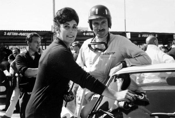 1962 RAC Tourist Trophy. Goodwood, West Sussex, Great Britain. 18th  August 1962. Graham Hill (Ferrari 250GTO), 2nd position, with wife Bette Hill, portrait. World Copyright: LAT Photographic Ref: 15275