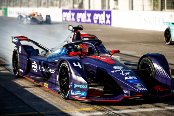 Robin Frijns (NLD), Envision Virgin Racing, Audi e-tron FE05, practices a start