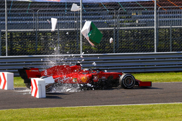 Sebastian Vettel, Ferrari SF1000, collides with barriers