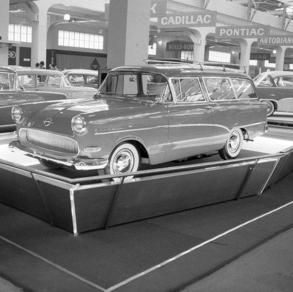 Opel Rekord Caravan.