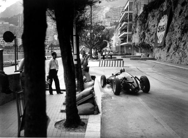 Monte Carlo, Monaco. 26-29 May 1960.Dan Gurney (BRM P48), retired, action.World Copyright: LAT PhotographicRef: C58321.