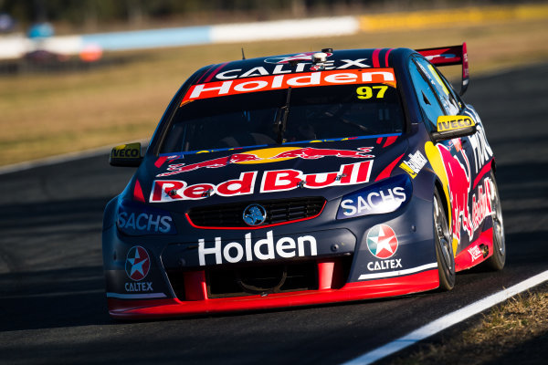 2017 Supercars Championship Round 8.  Ipswich SuperSprint, Queensland Raceway, Queensland, Australia. Friday 28th July to Sunday 30th July 2017. Shane van Gisbergen, Triple Eight Race Engineering Holden.  World Copyright: Daniel Kalisz/ LAT Images Ref: Digital Image 280717_VASCR8_DKIMG_8107.jpg