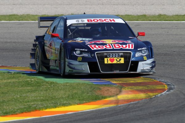 Mattias Ekstrom (SWE), Audi Sport Team Abt Sportsline, Red Bull Audi A4 DTM (2009) took pole position.