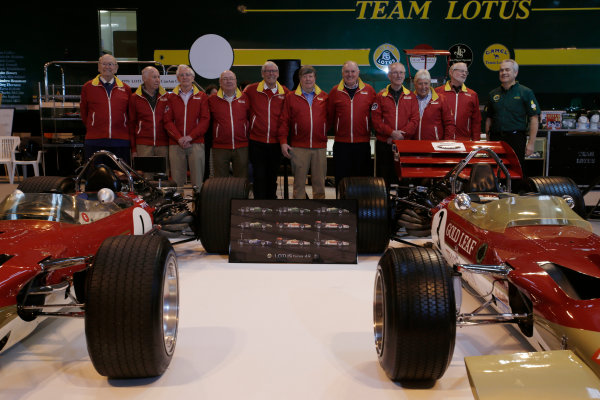 Autosport International Exhibition. National Exhibition Centre, Birmingham, UK. Thursday 12 January 2017. Former Team Lotus staff, including Herbie Blash and Clive Chapman, gather behind the Lotus 49 display. World Copyright: Joe Portlock/LAT Photographic. Ref: _14P1825