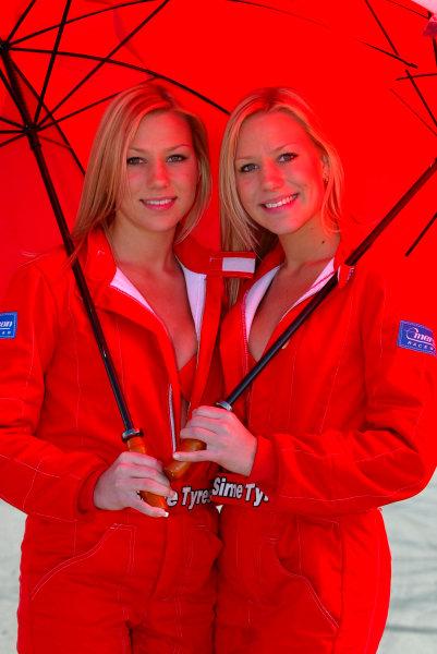 2003 Australian V8 SupercarsOran Park, Sydney, Australia. 17th August 2003.Grid girls at Sydneys Oran Park. World Copyright: Mark Horsburgh/LAT Photographicref: Digital Image Only