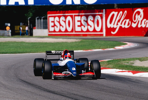 1993 Italian Grand Prix.Monza, Italy.10-12 September 1993.Ukyo Katayama (Tyrrell 021 Yamaha) 14th position.Ref-93 ITA 22.World Copyright - LAT Photographic