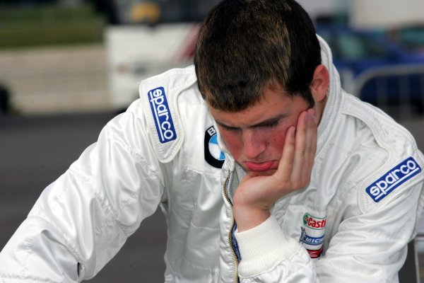 Peter Dempsey (IRE) Team SWR Pioneer.Formula BMW UK Championship, Rockingham, England, 4-5 September 2004.DIGITAL IMAGE.